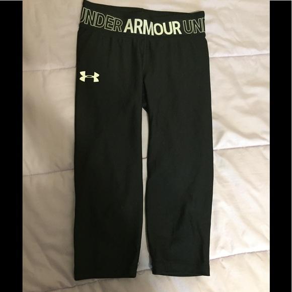 Under Armour Other - Under armour girls Capri leggings